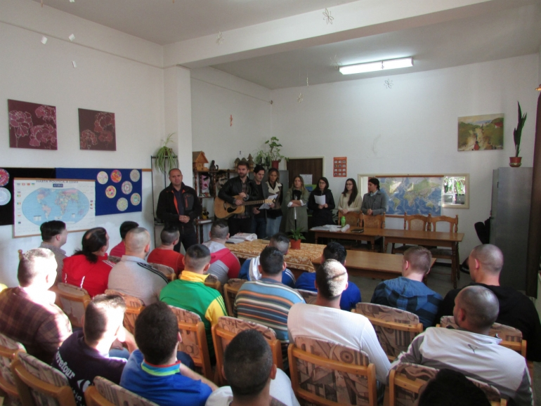 Open discussions with prison inmates in Targu Mures